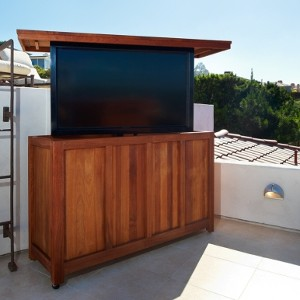 scenic roof deck even better with pop up tv eh network. Black Bedroom Furniture Sets. Home Design Ideas