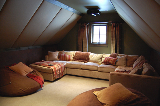Attic home theater room home decorating ideas Home theater design ideas on a budget