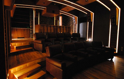 lighting your home theaters best friend - Home Theater Lighting Design