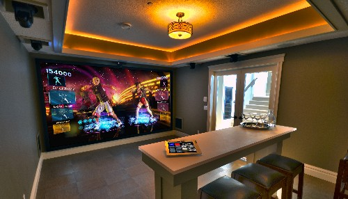 Home Holodeck Morphs Into Golf Course Or Game Room